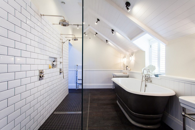 14 thiết kế phòng tắm gác mái vừa nhìn qua đã thích ngay - Ảnh 27.