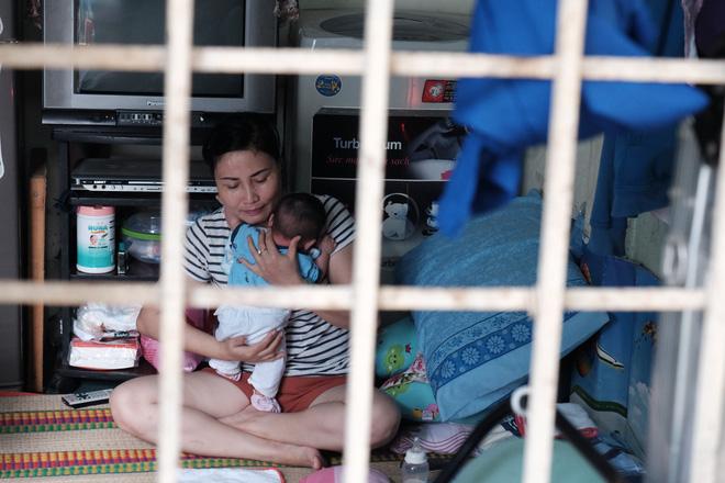 Nhặt được em bé sơ sinh trước cổng chùa, người phụ nữ giúp việc mang về nuôi nấng yêu thương - Ảnh 14.