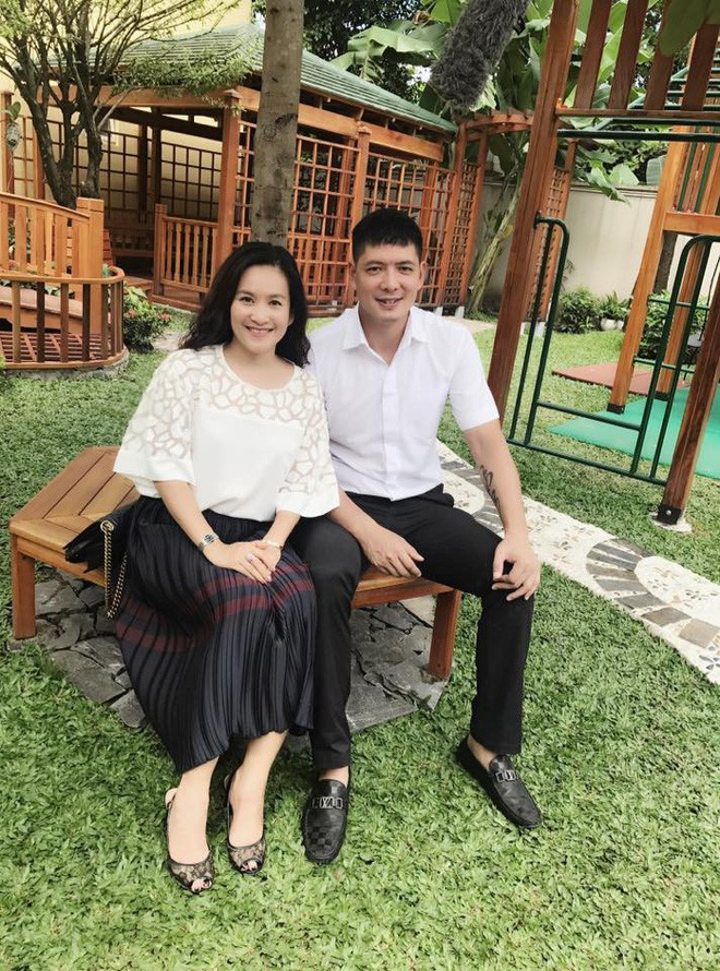 Chân dung vợ đại gia hơn tuổi của Bình Minh: Ngoài xã hội là người đàn bà thép, về nhà là lạt mềm buộc chặt - Ảnh 14.