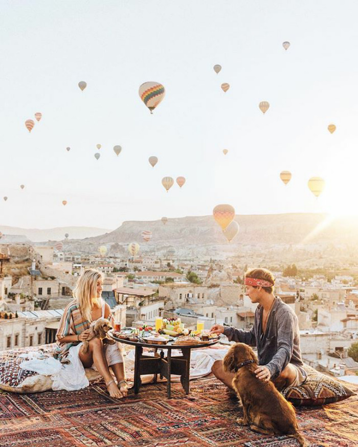Chỉ đi du lịch thôi mà cặp đôi này cũng kiếm được hơn 200 triệu cho mỗi bức ảnh trên Instagram - Ảnh 27.