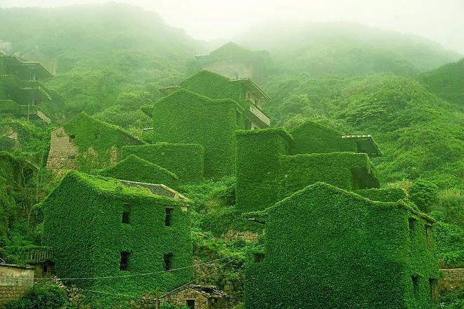 Ngất ngây đắm chìm trong những ngôi làng phủ đầy hoa tươi khắp thế giới - Ảnh 15.