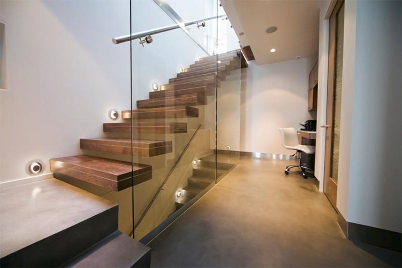 17 thiết kế cầu thang đẹp mắt được kết hợp từ gỗ và kính - Ảnh 27.