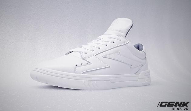 Tự thiết kế, tự sản xuất giày thương hiệu riêng, chàng trai sinh năm 1993 mang khát vọng bảo vệ đôi chân Việt - Ảnh 16.