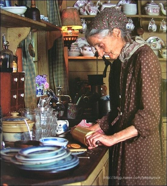 Ngôi nhà cổ tích có thật của bà cụ 92 tuổi khiến ai ai cũng phải trầm trồ, ước mơ - Ảnh 16.