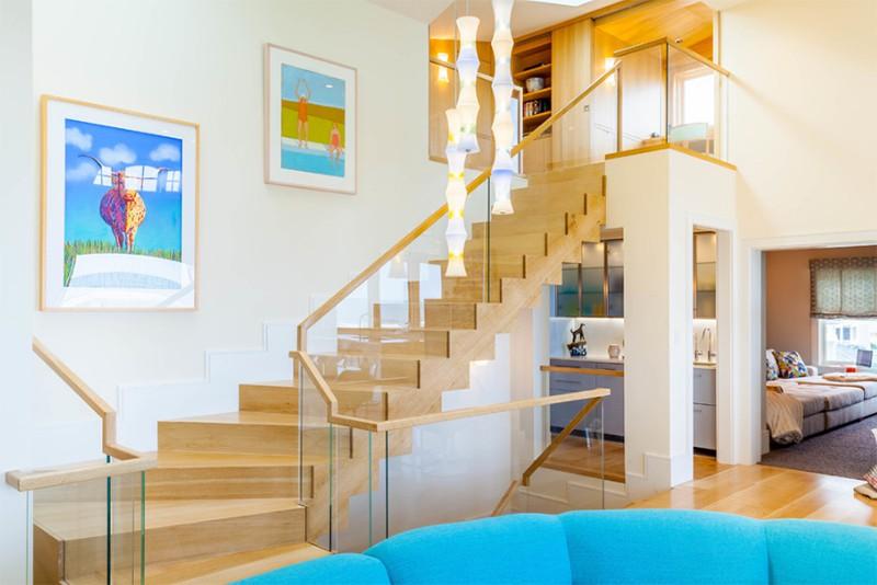 17 thiết kế cầu thang đẹp mắt được kết hợp từ gỗ và kính - Ảnh 29.
