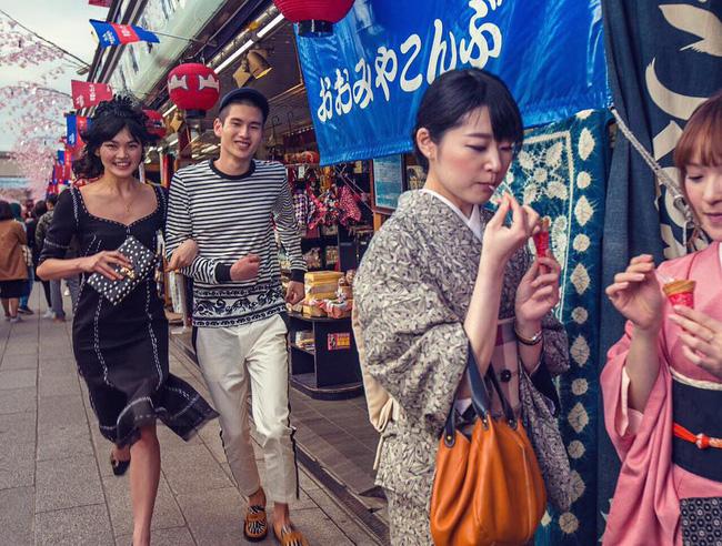 Dolce & Gabbana bị cư dân Trung Quốc chỉ trích vì bôi xấu hình ảnh quốc gia trong loạt hình mới nhất - Ảnh 17.