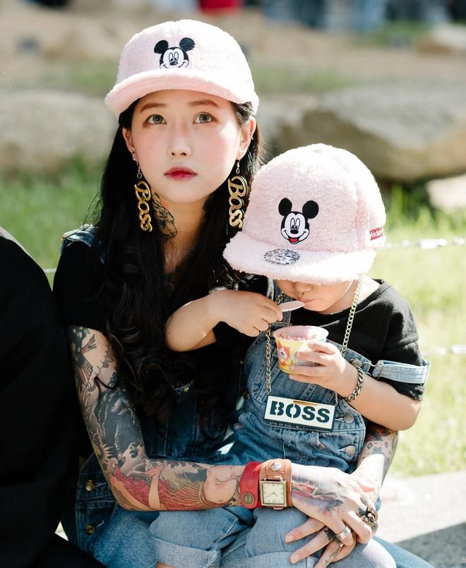 Ai là nhân vật đứng phía sau những nhóc tỳ sành điệu tại Tuần lễ thời trang Seoul? - Ảnh 17.