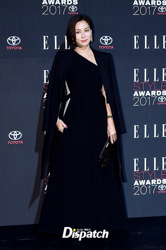 Thảm đỏ quy tụ dàn sao quyền lực: Yoona sang chảnh, nữ thần Kim Ji Won đẹp xuất sắc nhưng lại mặc gì thế này? - Ảnh 17.