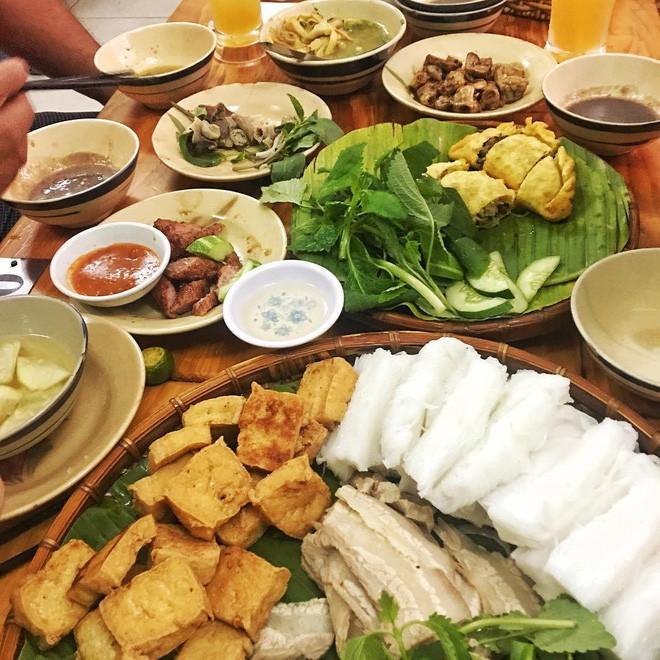 4 quán ăn bình dân vừa ngon, vừa dễ đụng người nổi tiếng ở Sài Gòn - Ảnh 18.