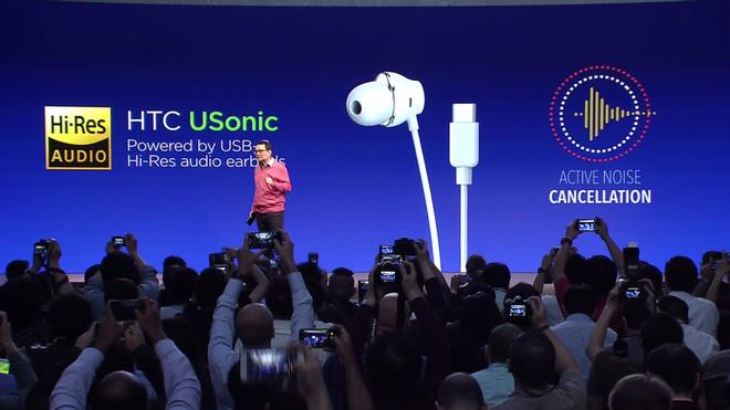 HTC U11 chính thức ra mắt, cho phép người dùng thao tác bằng cách bóp chặt - Ảnh 19.