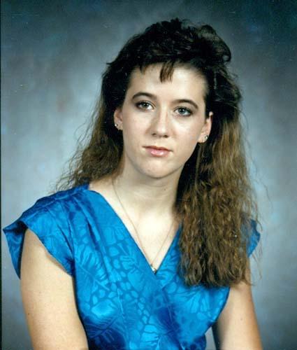 Nữ sinh 19 tuổi xinh đẹp mất tích trong buổi sáng định mệnh và bức ảnh bí ẩn 30 năm chưa có lời giải - Ảnh 3.