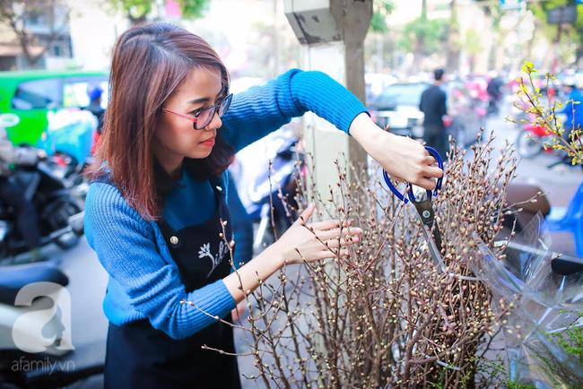 Hà Nội: Chi 72 triệu để mua hoa tươi nhập khẩu đủ tiêu chí độc và đẹp về chơi Tết - Ảnh 3.