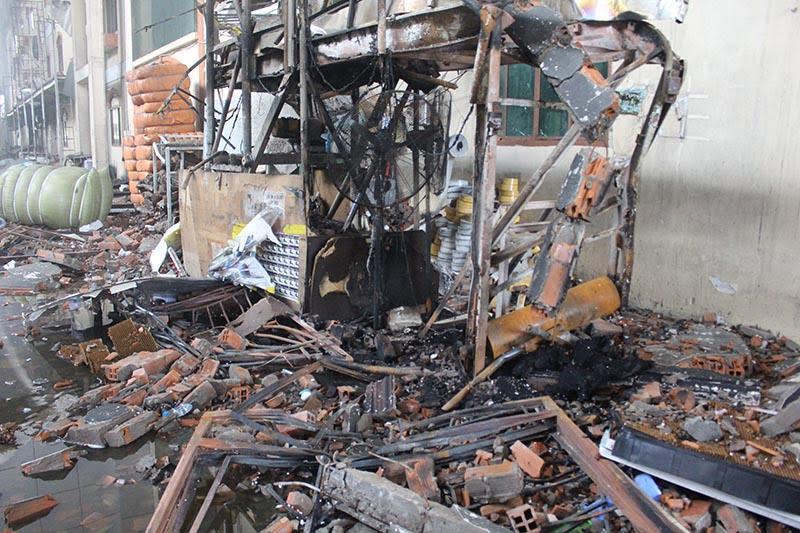 Hình ảnh tan hoang sau vụ cháy suốt 24 giờ ở Cần Thơ - Ảnh 3.