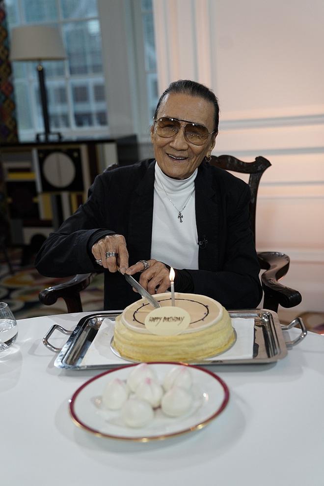 Bố Tạ Đình Phong rơi nước mắt vì con trai ly hôn với Trương Bá Chi - Ảnh 3.