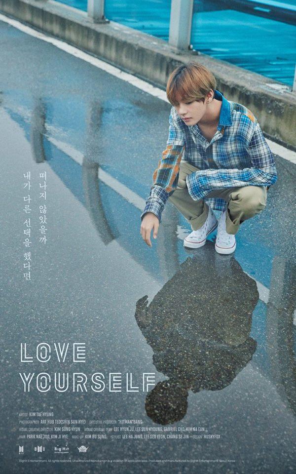 Jin cầm loài hoa không tồn tại trong ảnh nhá hàng mới của BTS - Ảnh 3.