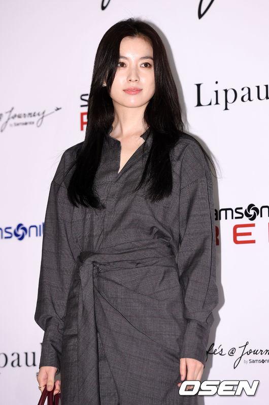 Han Hyo Joo và Sung Yuri: 2 nữ thần hàng đầu khoe sắc tại 2 sự kiện, khán giả đau đầu không biết ngắm ai - Ảnh 3.
