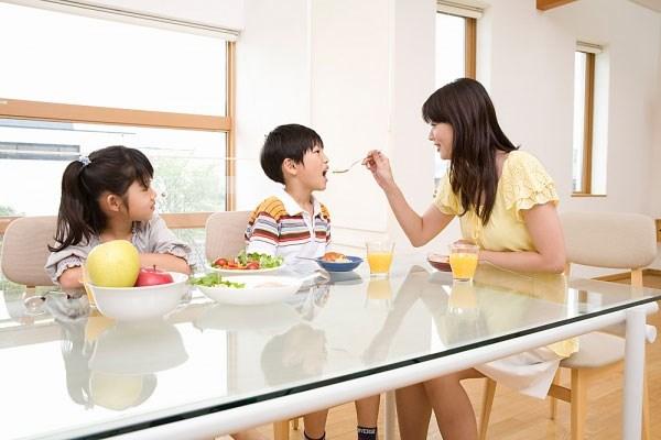 Dạy cả 3 con thành công hơn người, mẹ Do Thái đã rút ra 3 yếu tố then chốt - Ảnh 3.