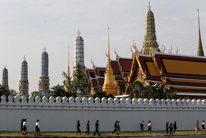 Một năm ngày mất Quốc vương Bhumibol Adulyadej: Những hình ảnh nỗi đau mất mát mà người dân Thái Lan không bao giờ quên - Ảnh 22.