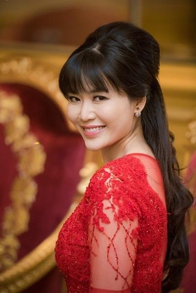 Hoa hậu Thu Thủy nói gì về cáo buộc cướp chồng của em họ? - Ảnh 3.