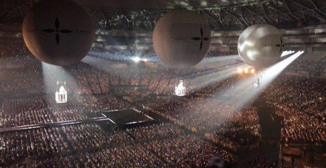 Tấm gương con nhà nghèo vượt khó của Kpop: Từ sân khấu vài người xem đến concert trăm nghìn khán giả - Ảnh 5.
