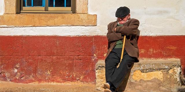 Lối sống kỳ lạ của người Tây Ban Nha: Ngủ trưa 'đẫy mắt' đến 5h chiều, bữa tối lúc nửa đêm, tận hưởng cuộc sống với tuổi thọ hàng đầu thế giới! - Ảnh 3.