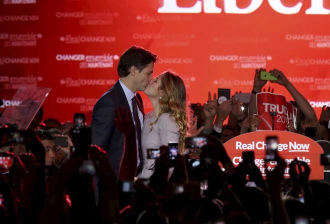 Lời tỏ tình lịm tim và 12 năm hôn nhân trên cả mật ngọt của Thủ tướng Canada đẹp trai như tài tử - Ảnh 3.
