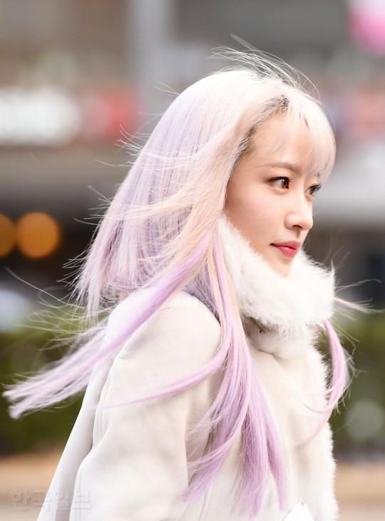 Xuất hiện nữ thần tóc tím đẹp xuất thần lấn át luôn cả dàn mỹ nhân TWICE - Ảnh 3.