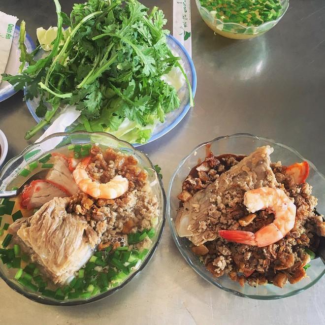 4 quán ăn bình dân vừa ngon, vừa dễ đụng người nổi tiếng ở Sài Gòn - Ảnh 3.