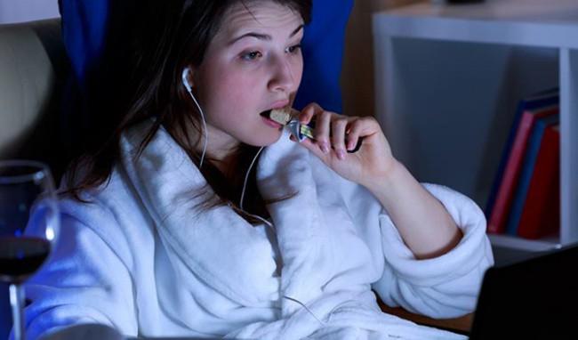 Cảnh báo: Ăn đêm có thể dẫn tới đột quỵ - Ảnh 3.