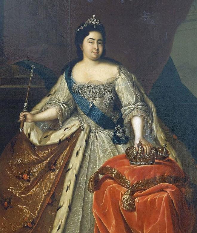 Nữ hoàng đầu tiên của nước Nga: Từ cô hầu gái không biết chữ đến người cùng vua chia sẻ ngai vàng - Ảnh 3.