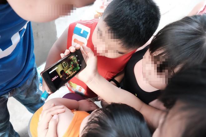 """Phụ huynh trẻ bị bảo mẫu bạo hành dã man ở Sài Gòn: """"Nhiều lần tôi đề nghị xem camera nhưng cô đều từ chối - Ảnh 3."""