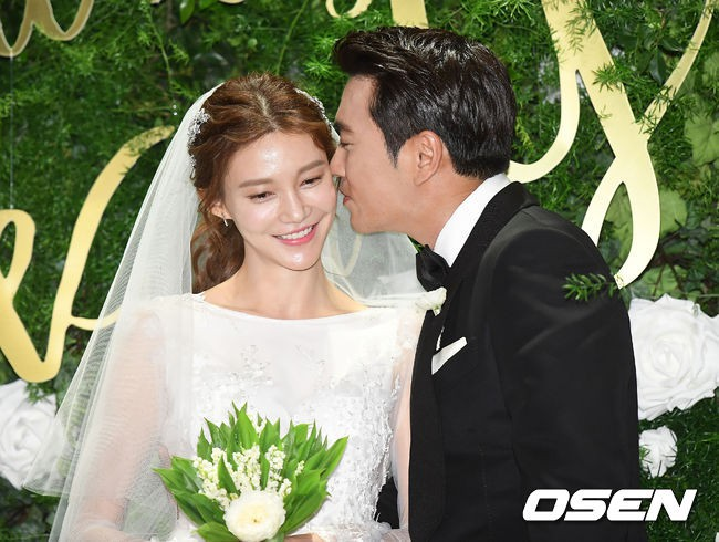 Mỹ nhân phim Mười thông báo mang thai con đầu lòng cho tài tử Joo Sang Wook - Ảnh 2.
