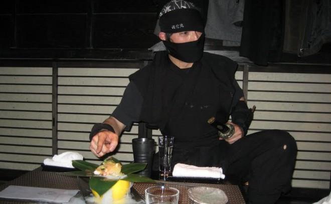 """Đây chắc chắn là những nhà hàng """"kỳ quặc"""" nhất thế giới mà chỉ ở Nhật Bản mới có - Ảnh 3."""