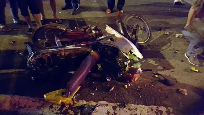 Đà Nẵng: Truy tìm người phụ nữ điều khiển ô tô gây tai nạn liên hoàn trong đêm rồi bỏ trốn - Ảnh 3.