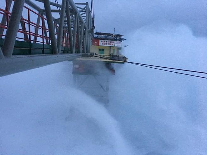 Đảo Trường Sa và nhà giàn DK1 sau bão Tembin - Ảnh 3.