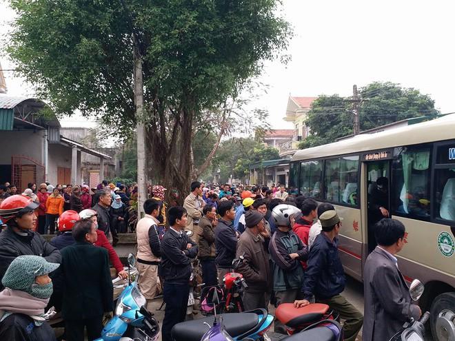 Vụ chồng giết vợ và 2 con ở Thanh Hóa: Hàng xóm nghe thấy tiếng trẻ con khóc - Ảnh 4.