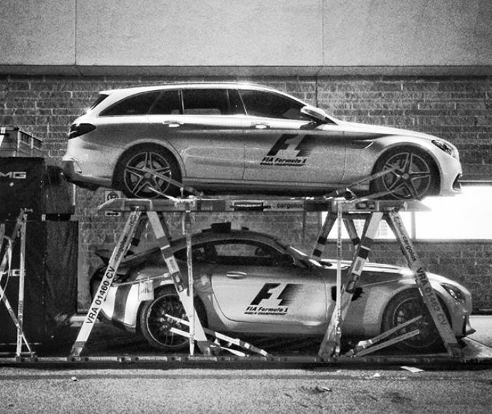 Nhiếp ảnh gia chớp khoảnh khắc của những chiếc xe đua Công thức 1 với chiếc máy ảnh 104 tuổi, và đây là kết quả - Ảnh 40.