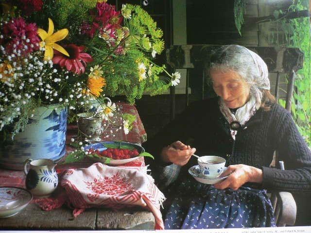 Ngôi nhà cổ tích có thật của bà cụ 92 tuổi khiến ai ai cũng phải trầm trồ, ước mơ - Ảnh 21.