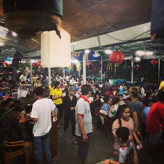 4 quán ăn bình dân vừa ngon, vừa dễ đụng người nổi tiếng ở Sài Gòn - Ảnh 21.