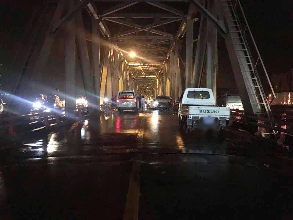 3 người thương vong sau tai nạn nghiêm trọng trên cầu Chương Dương trong đêm - Ảnh 6.