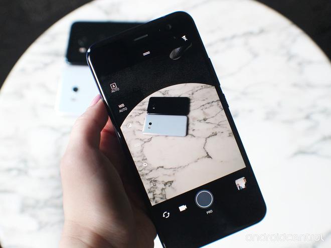 HTC U11 chính thức ra mắt, cho phép người dùng thao tác bằng cách bóp chặt - Ảnh 23.