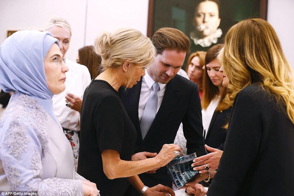 Giữa dàn Đệ nhất phu nhân tài sắc, chồng của Thủ tướng Luxembourg mới thực sự là tâm điểm gây chú ý - Ảnh 3.
