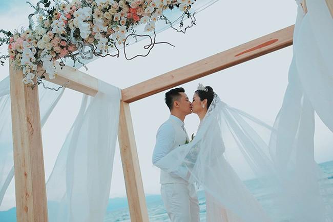 10 đám cưới Việt trong năm 2017 không phải của sao showbiz nhưng cực kỳ xa hoa khiến MXH nô nức chỉ dám nhìn không dám ước - Ảnh 24.