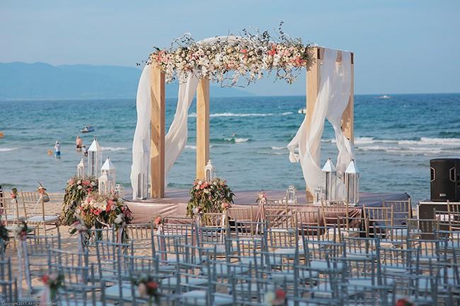 10 đám cưới Việt trong năm 2017 không phải của sao showbiz nhưng cực kỳ xa hoa khiến MXH nô nức chỉ dám nhìn không dám ước - Ảnh 25.