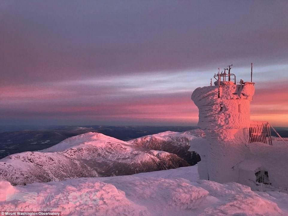 Cảnh tượng đáng sợ nhưng cũng hiếm gặp: Thác nước hùng vĩ bậc nhất nước Mỹ đóng băng dưới thời tiết giá lạnh - Ảnh 6.