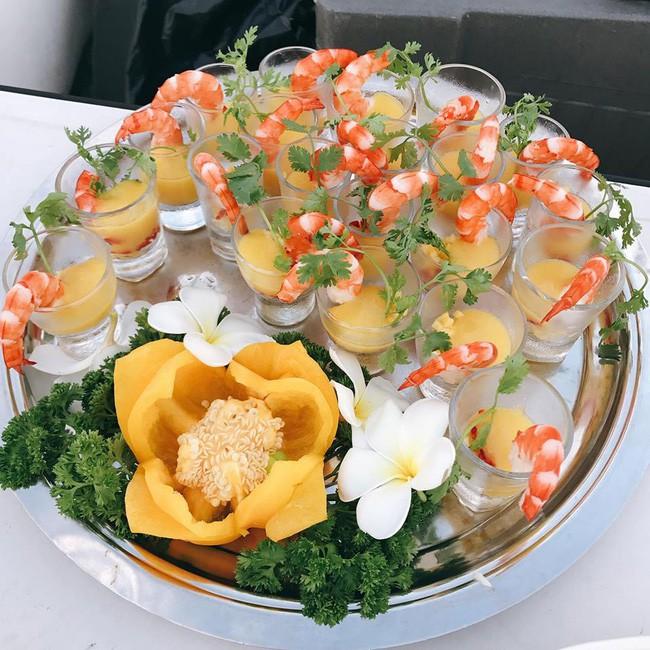 10 đám cưới Việt trong năm 2017 không phải của sao showbiz nhưng cực kỳ xa hoa khiến MXH nô nức chỉ dám nhìn không dám ước - Ảnh 28.