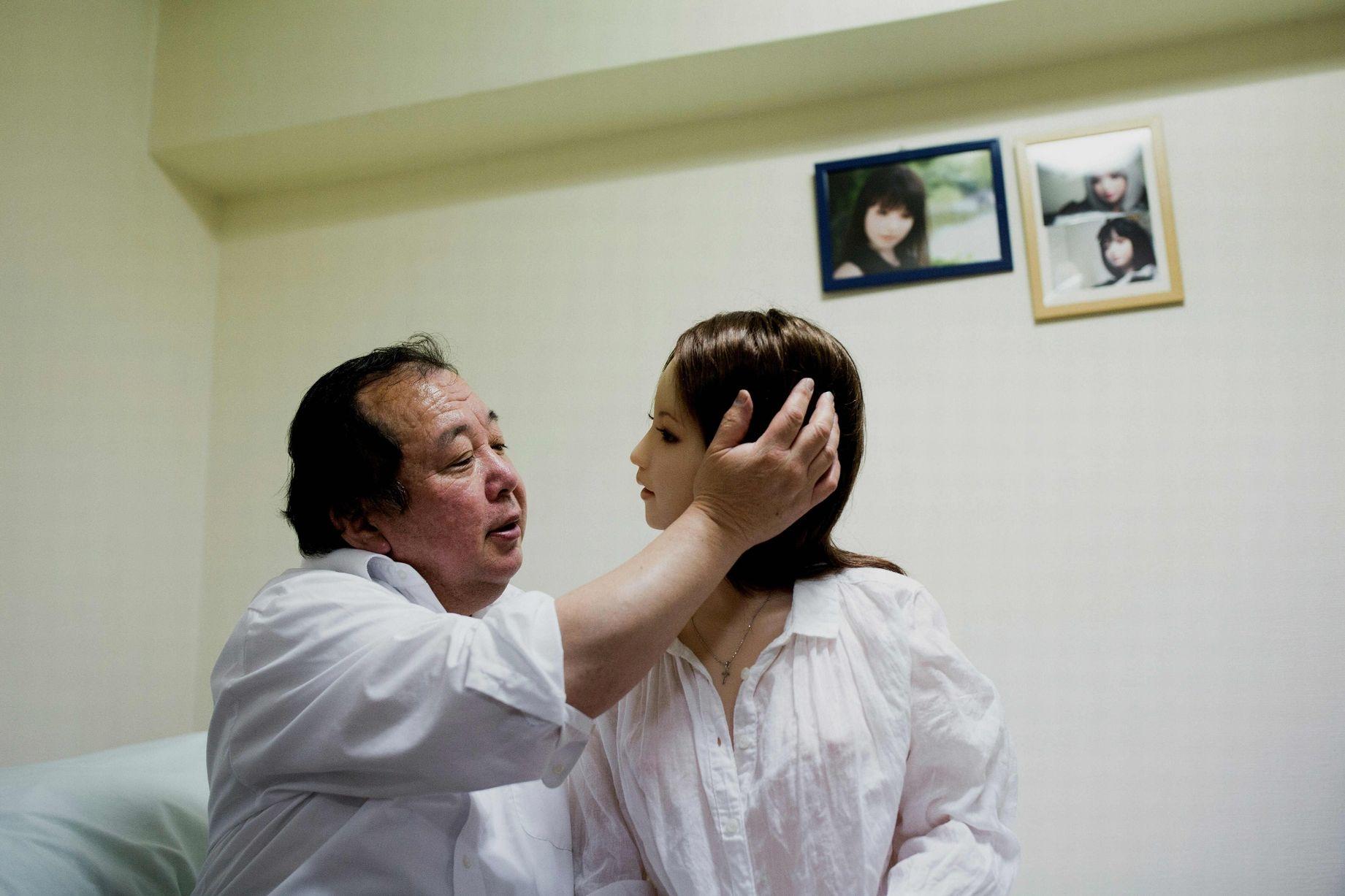 Cuộc sống cô quạnh của đàn ông Nhật Bản bên búp bê tình dục - Ảnh 20.