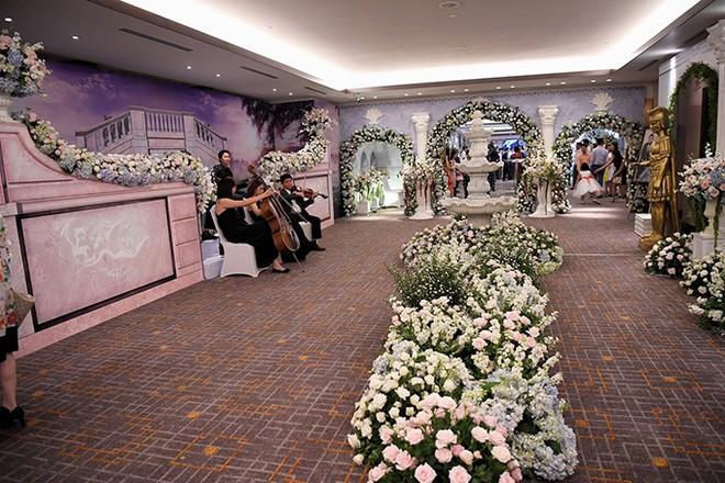 10 đám cưới Việt trong năm 2017 không phải của sao showbiz nhưng cực kỳ xa hoa khiến MXH nô nức chỉ dám nhìn không dám ước - Ảnh 30.