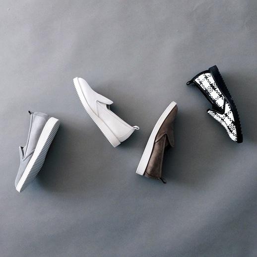 Đôi loafer da của Gigi Hadid có gì đặc biệt mà tới 10.000 người đặt gạch chờ mua? - Ảnh 4.