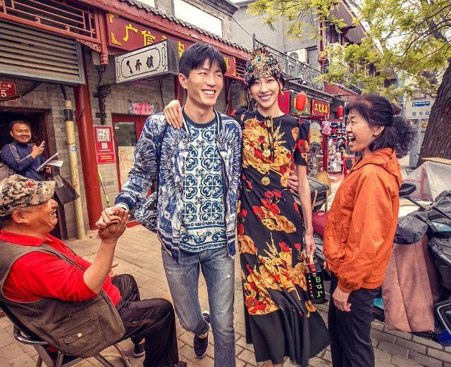 Dolce & Gabbana bị cư dân Trung Quốc chỉ trích vì bôi xấu hình ảnh quốc gia trong loạt hình mới nhất - Ảnh 4.